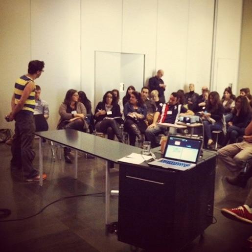 Pics - eitan-speaking-at-barcelona-conference - Natie Branding Agency