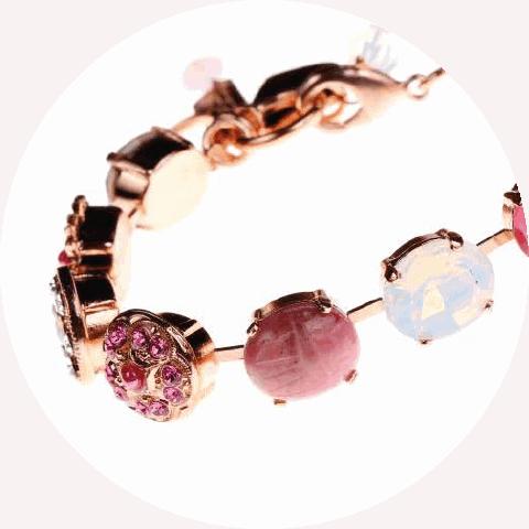 Mariana - natie-mariana-bracelet - Natie Branding Agency