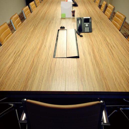 Pics - google-table-natie - Natie Branding Agency